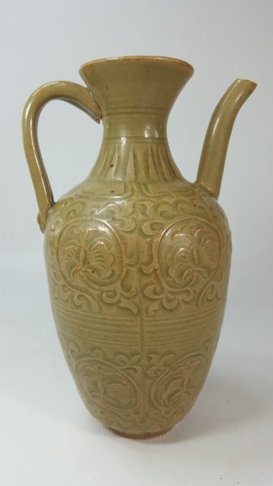 Chinese water/wine kettle from Jin dynasty