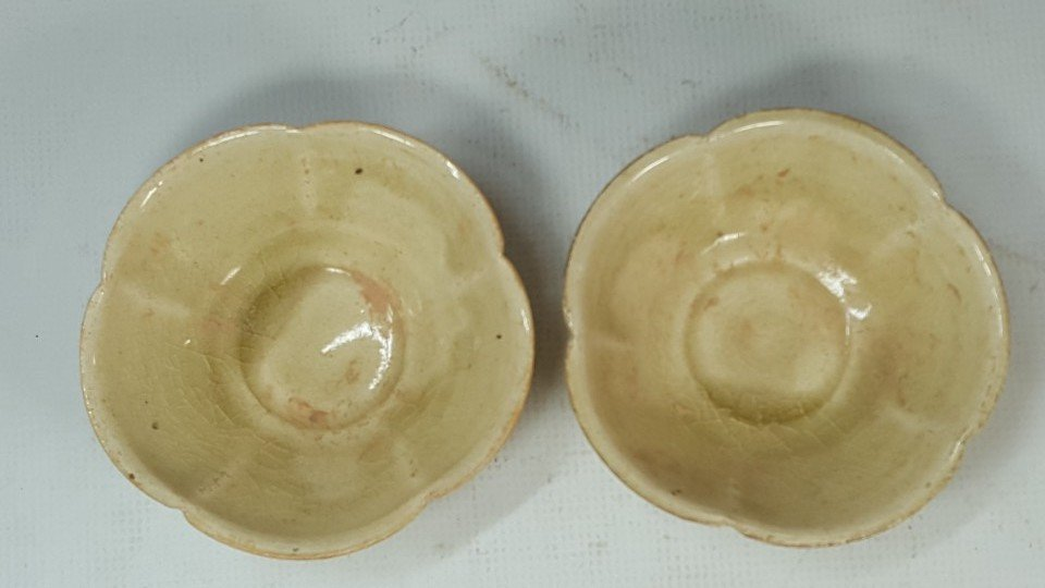 Chinese set of two tea cups from Sui dynasty