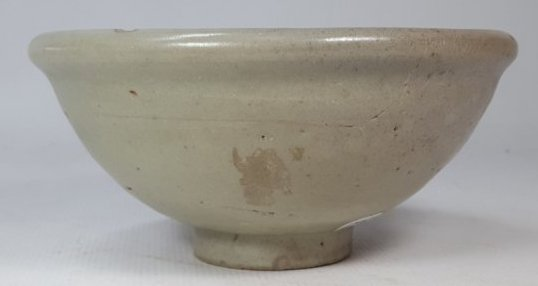 Chinese ceramic bowl from Yuan dynasty