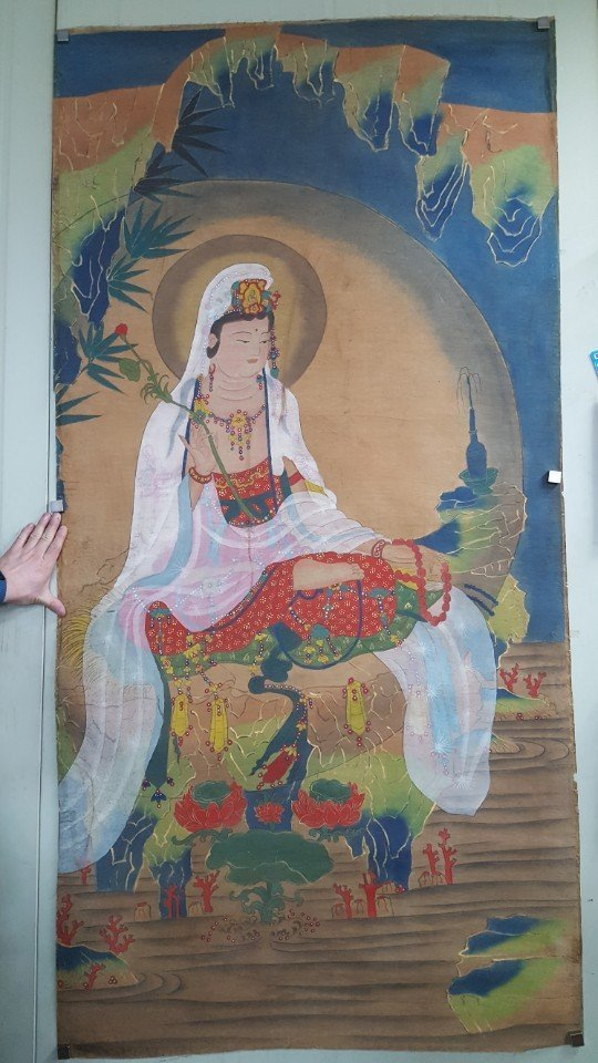 Chinese Scroll Hand Painting of Guanyin - 6