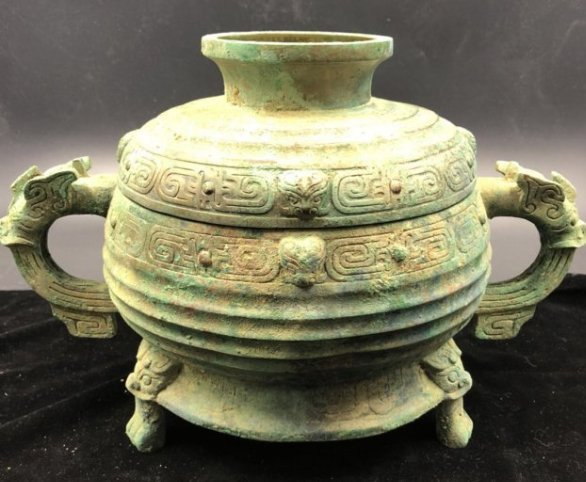 Chinese Western Zhou Bronze Vessel (gui)