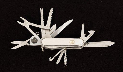 c7c831175 11: a) Tiffany sterling silver Swiss Army knife is a V - Jan 28 ...