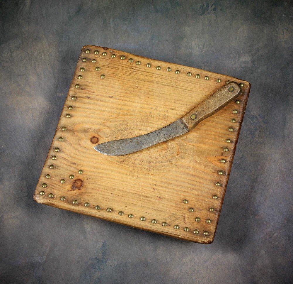 18: N Plains Tobacco Cutting Board