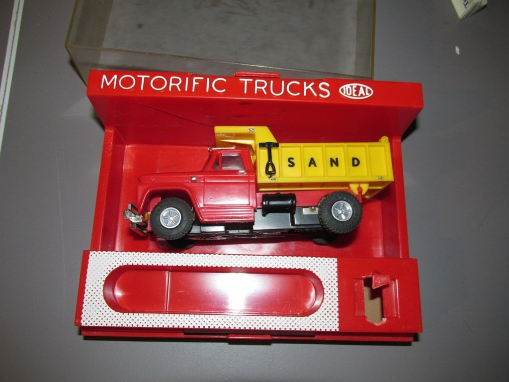 vintage ideal motorific truck with case