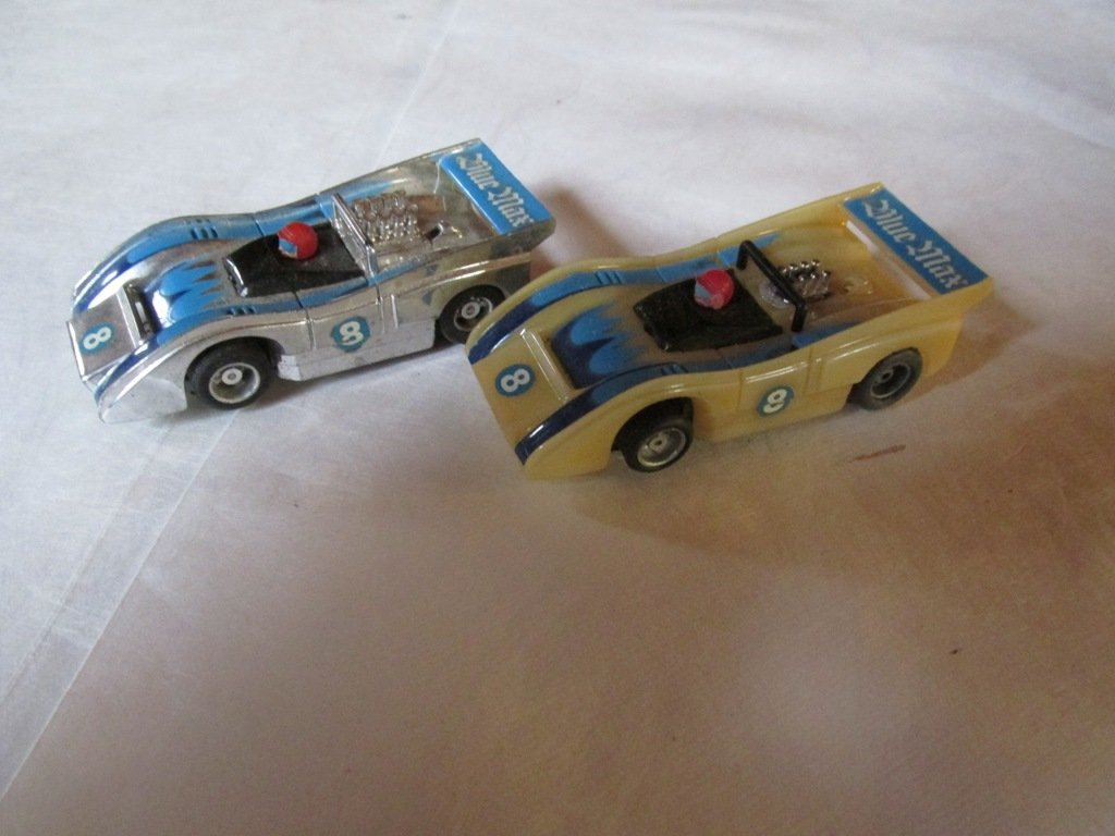 2 Vintage Tyco slot cars 2-3 inches
