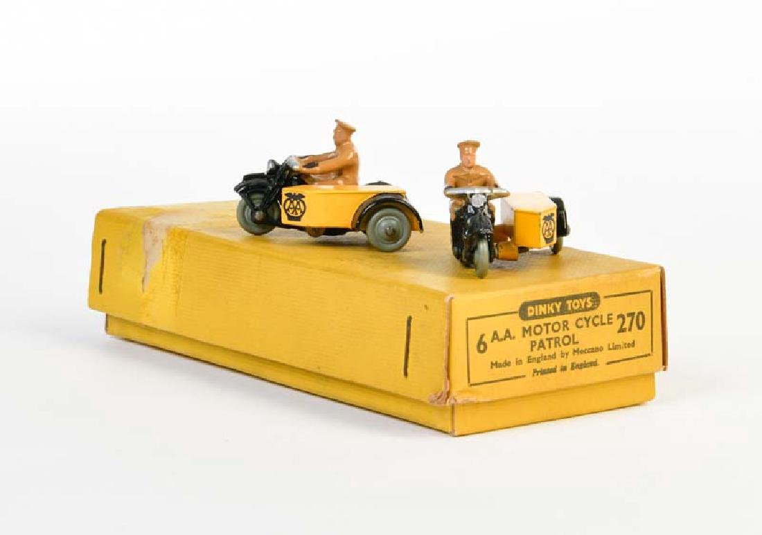 Dinky Toys, 2 Polizeimotorraeder 270