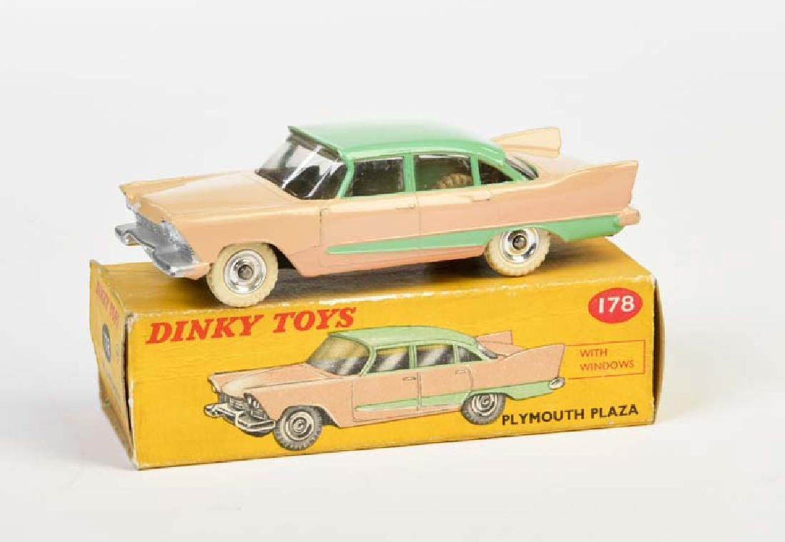 Dinky Toys, Plymouth Plaza