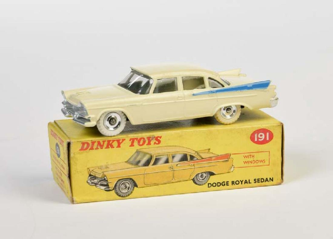 Dinky Toys, Dodge Royal Sedan