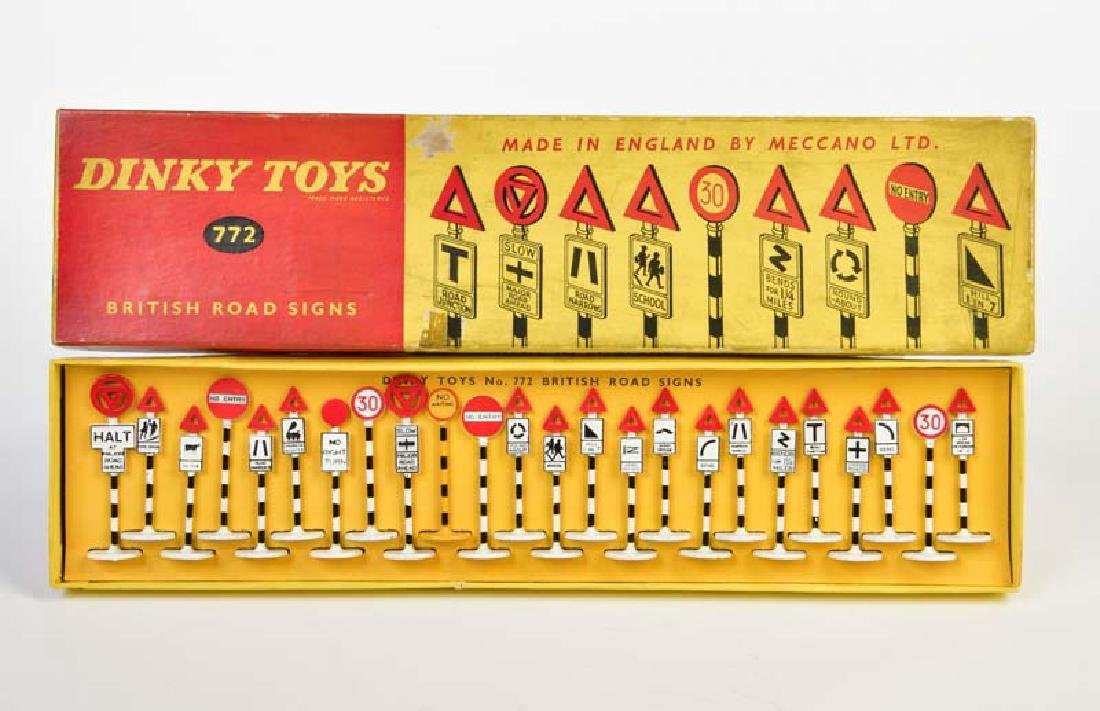 Dinky Toys, British Road Signs 772