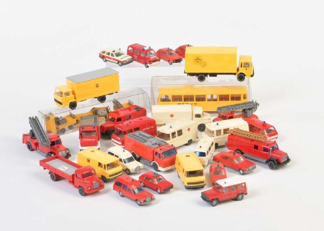 Wiking, 30x Post, Ambulanz + Feuerwehr