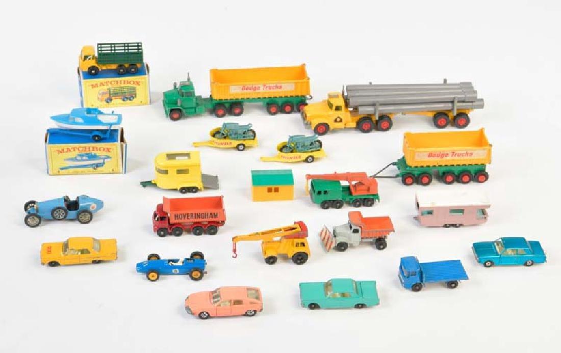 Matchbox, 19 Modellautos + Anhaenger