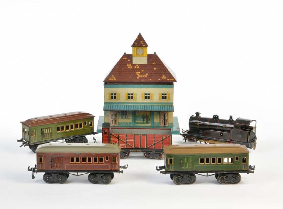 Bing, Lok mit 4  Wagen + Kleinem Bahnhof