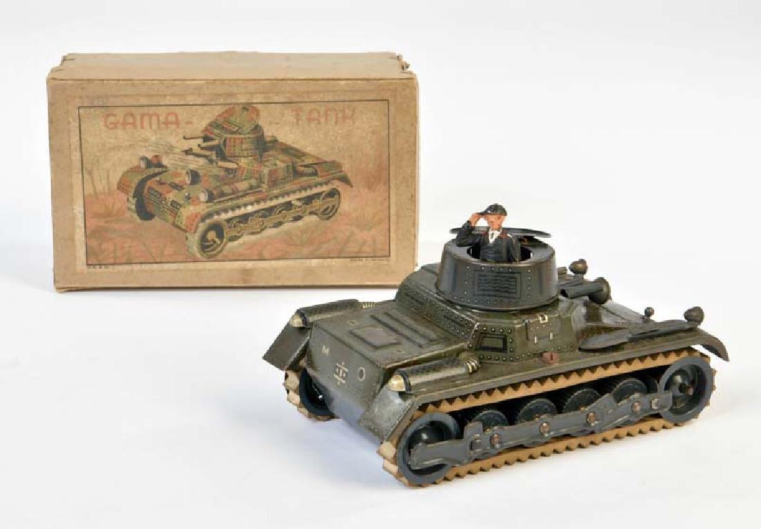 Gama, Panzer mit Originalfahrer + Schluessel