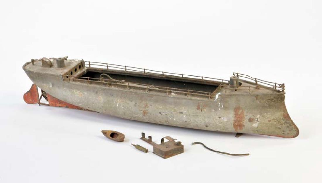 Bing, Schiffsrumpf mit Dampfantrieb