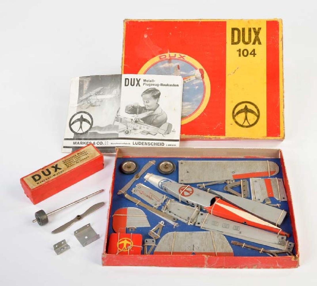 Dux, Flugzeug Baukasten mit seperatem Motor