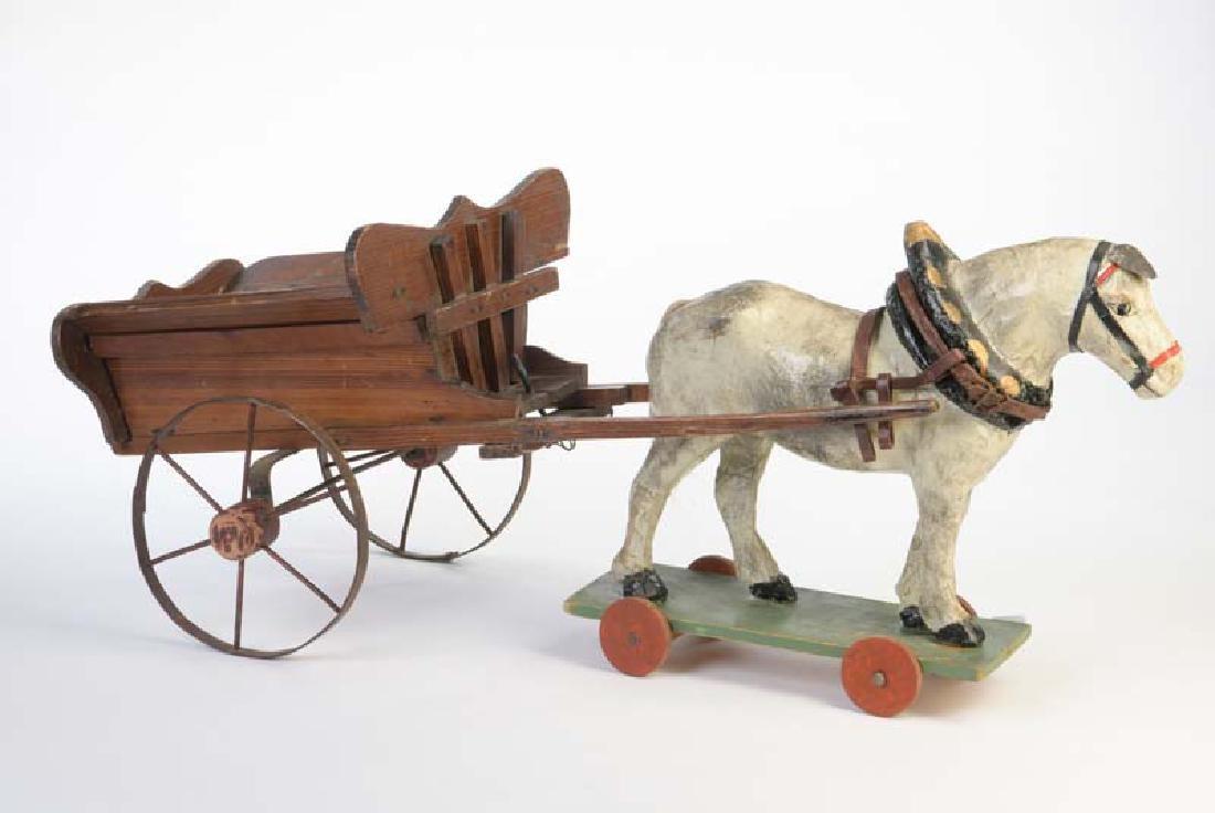 Holzwagen mit Pferd aus Papiermache