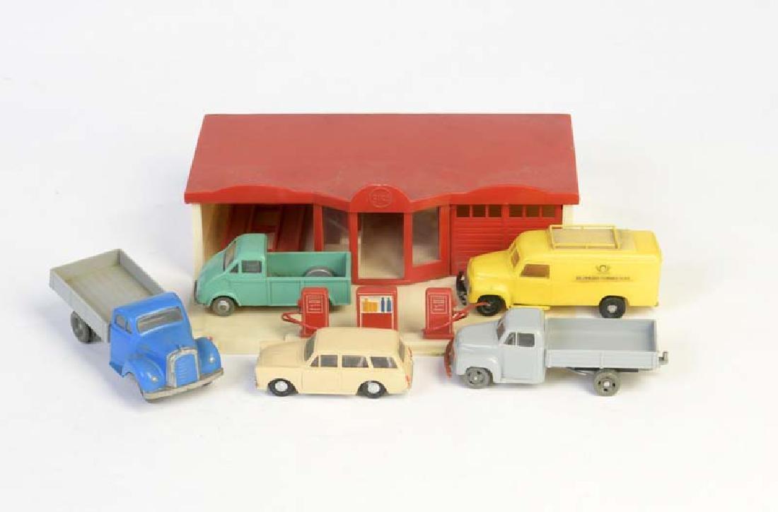 Siku, Tankstelle + 5 Fahrzeuge