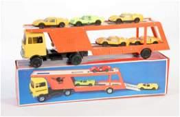 BIG Autotransporter mit 5 Rennwagen