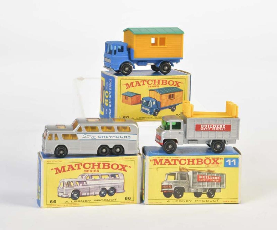Matchbox, Scaffholding Truck + Greyhound Bus + Truck