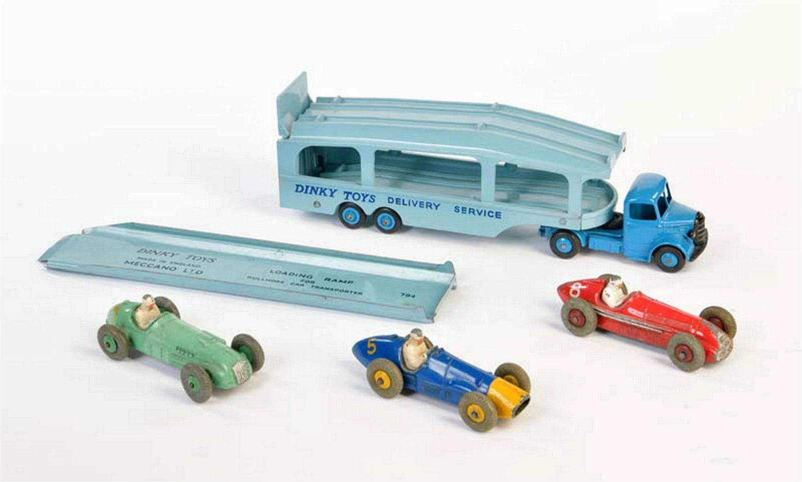 Dinky Toys, Autotransporter + 3 Rennwagen