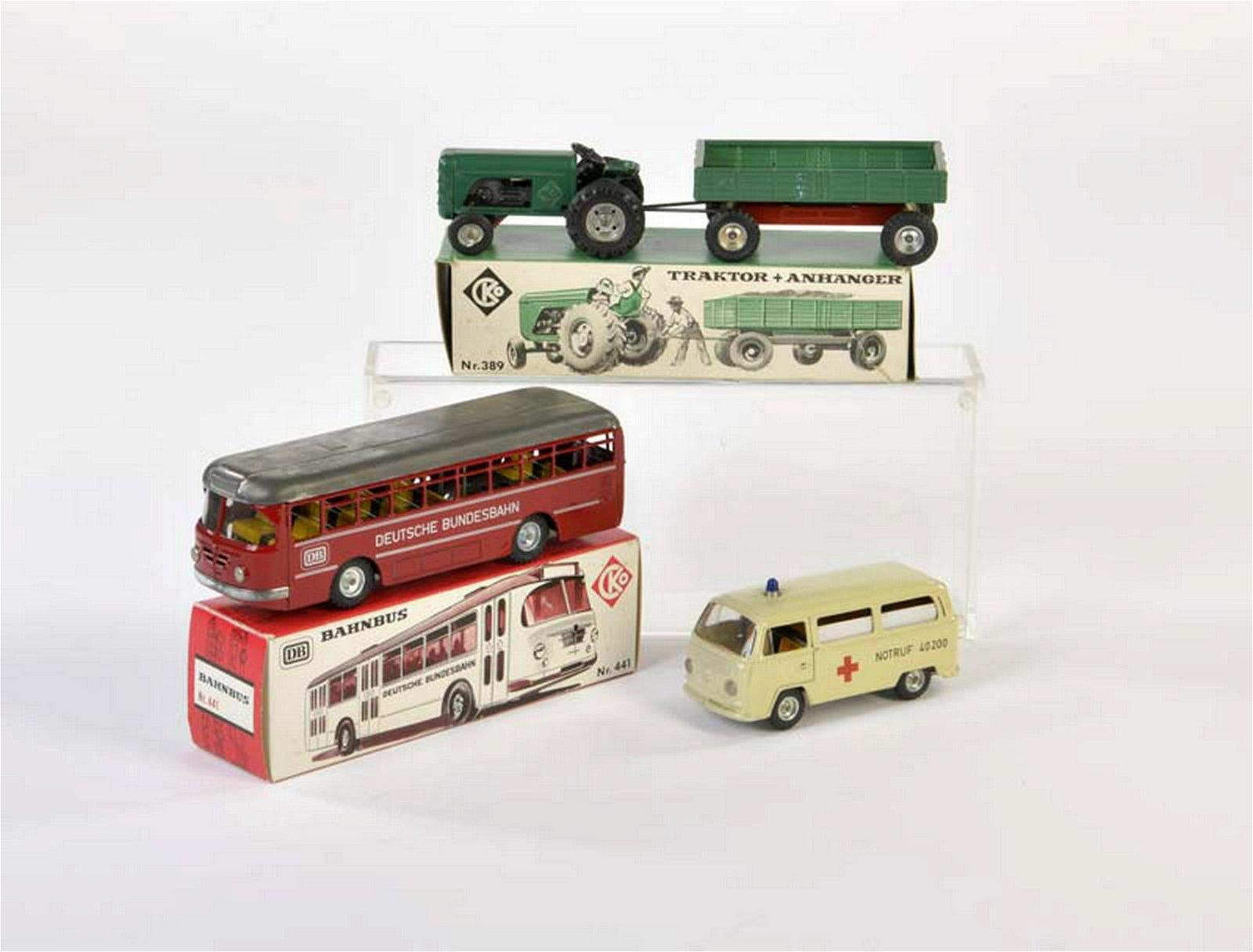 Kellermann, Bahnbus, VW Bus, Ambulanz + Traktor mit