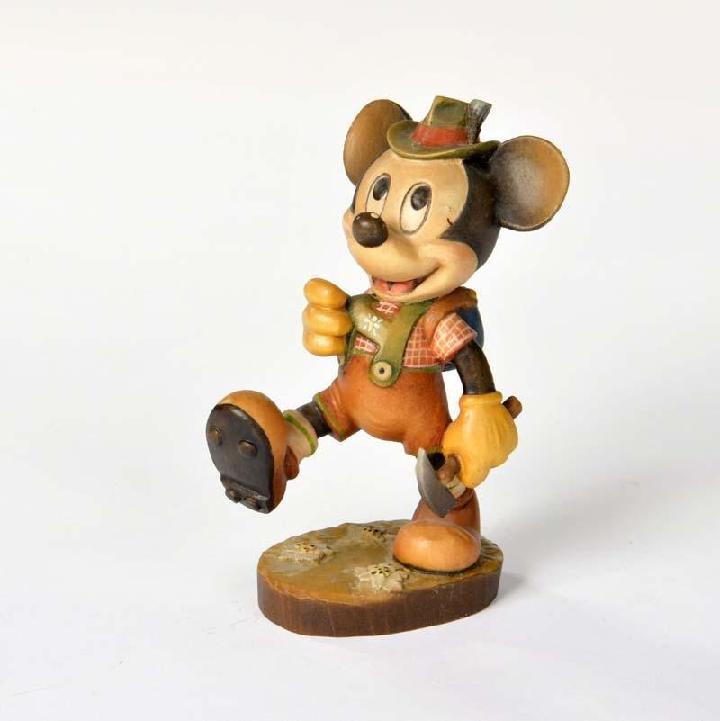 Holzfigur Micky als Wanderer