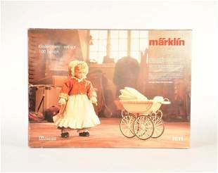 Maerklin, Puppe 1611 mit Kinderwagen