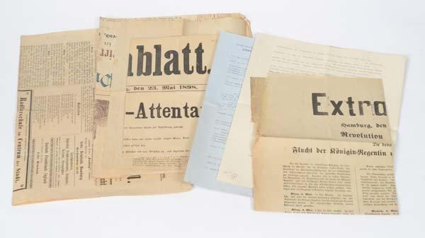 Bundle Newspaper Sheets (1898) a.o.
