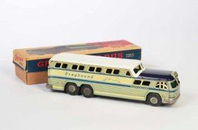 Slone, Greyhound Bus