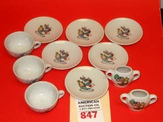 847: Disney Alice Wonderland Tea Set