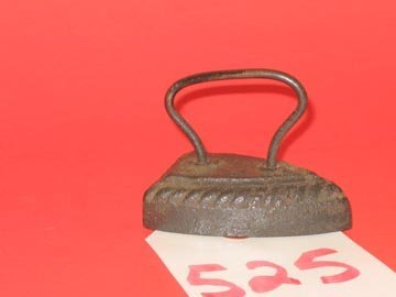 525: Toy Sad Iron Cast Iron