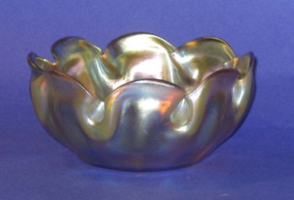163: Tiffany Art Glass Bowl