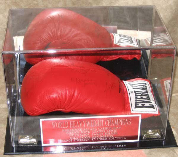 169: Autographed Boxing Boxer Glove Ali Tyson