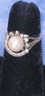 14k Gold Diamond Pearl Ring