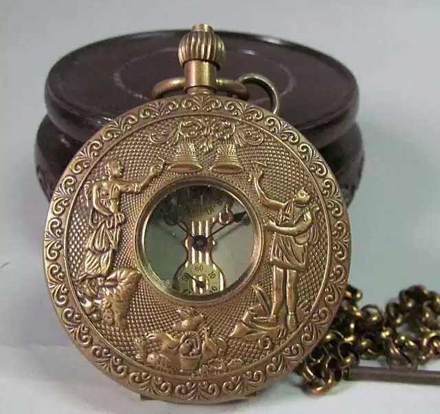 Fine Classic carved pocket watch