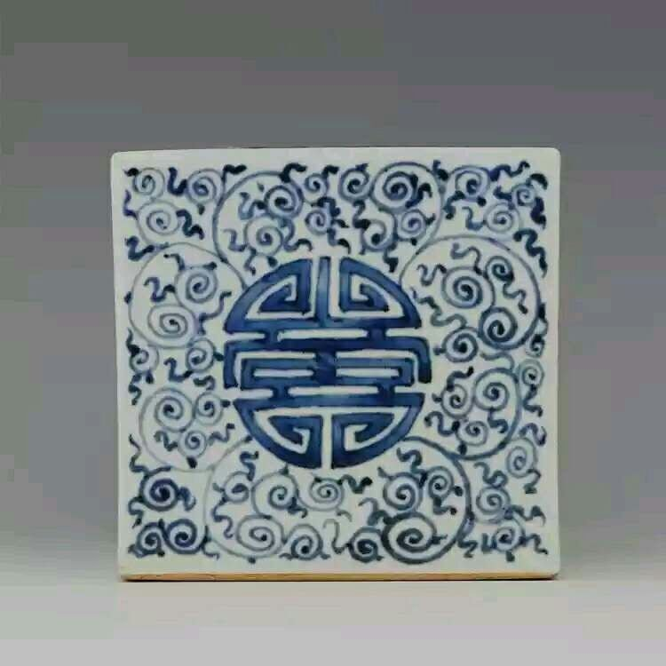 Great Chinese B/W porcelain brush pot