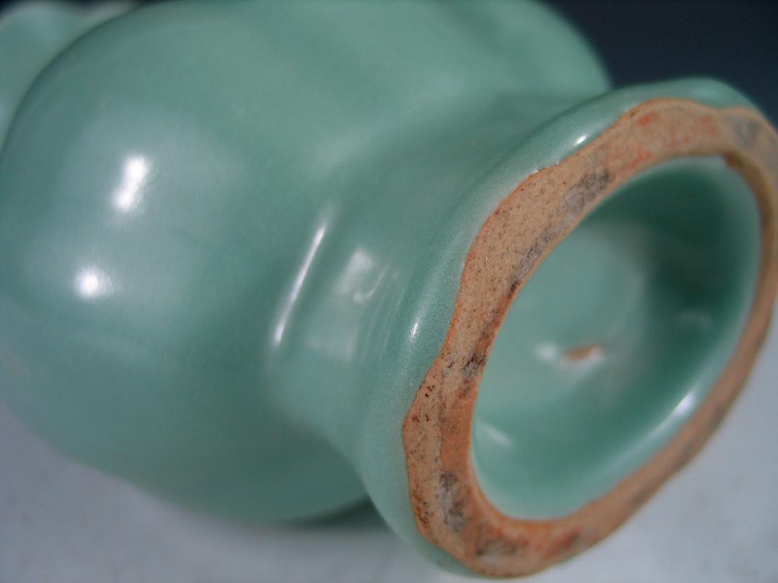 Chinese Celadon porcelain vase. - 5