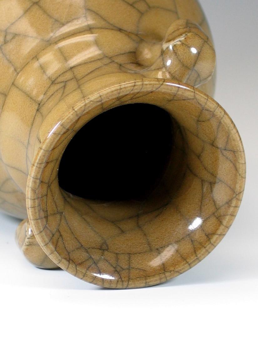 Chinese crackle glazed porcelain vase - 4