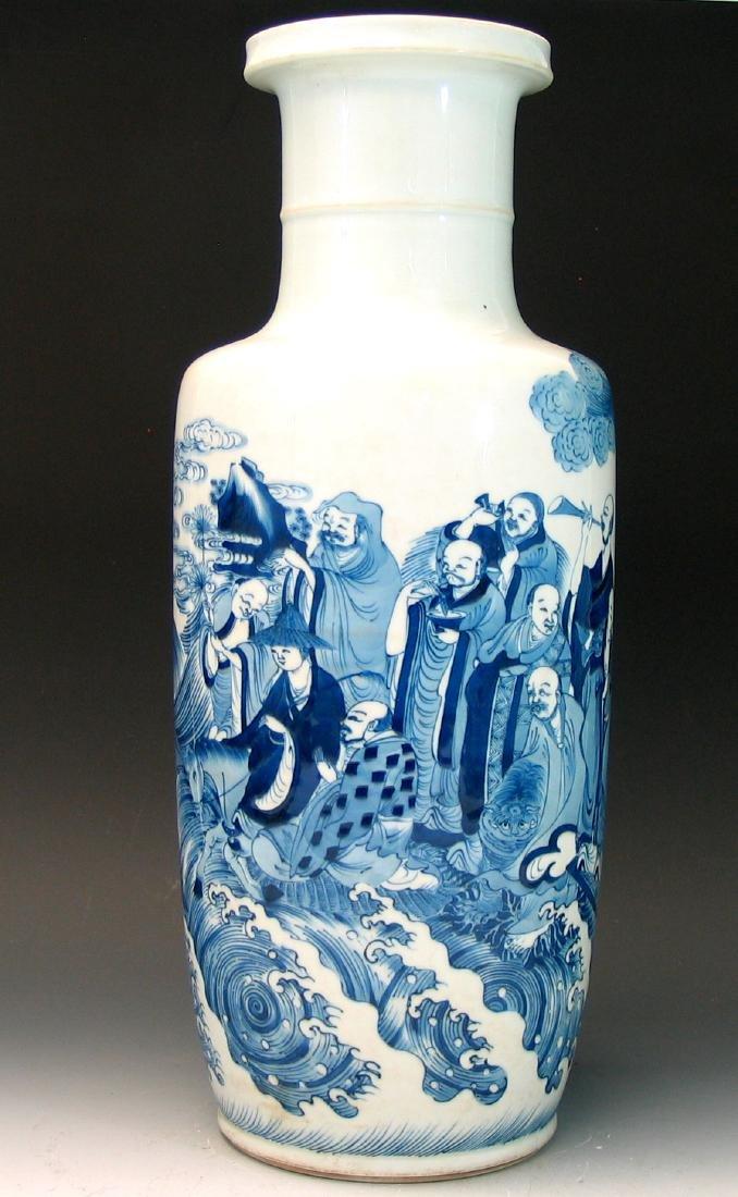 Big Chinese blue and white porcelain vase - 4