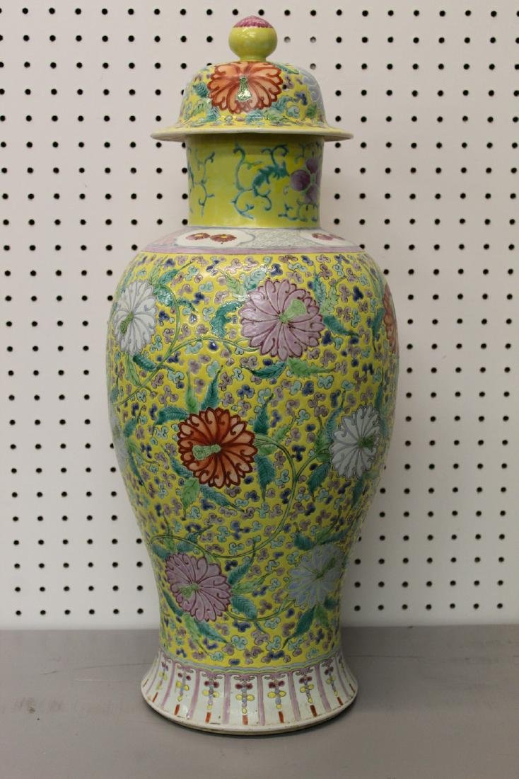 Big Chinese famille rose porcelain vase. - 3