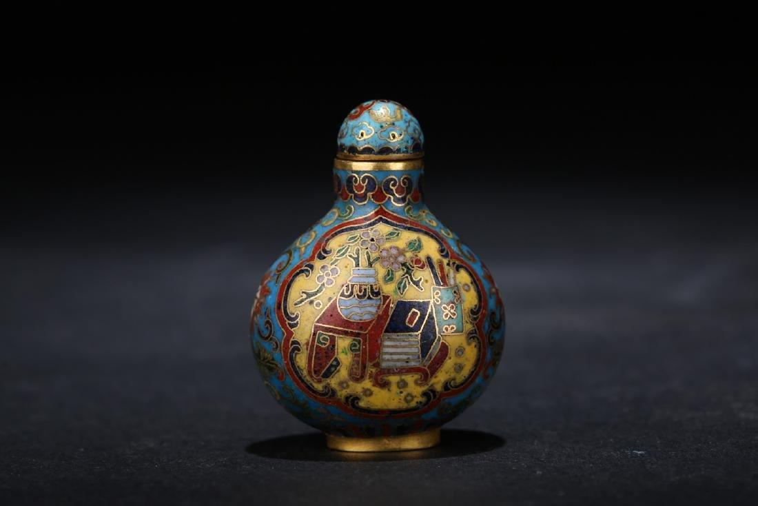 Chinese cloisonne snuff bottle, Qianlong mark.