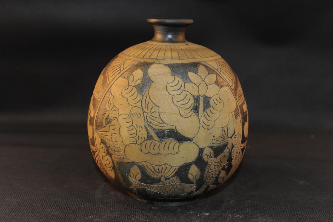 Chinese Cizhou porcelain jar.