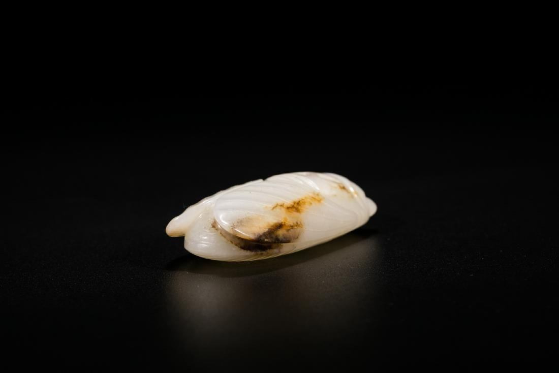 Chinese carved white jade cicada snuff bottle. - 4