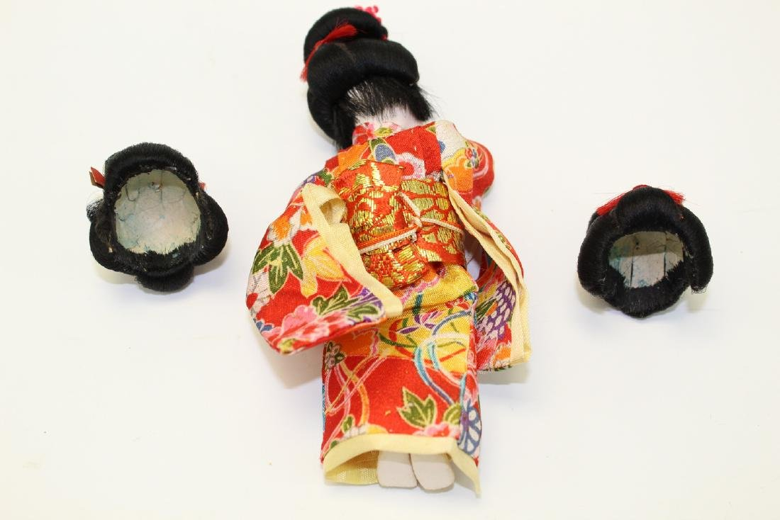 Vintage Japanese Doll with 3 wigs. - 4