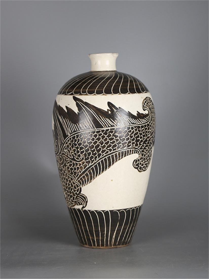 Chinese Cizhou Ware porcelain meiping vase. - 2