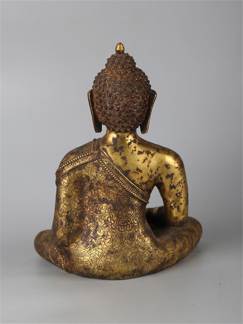 Chinese bronze figure of a Buddha. - 4