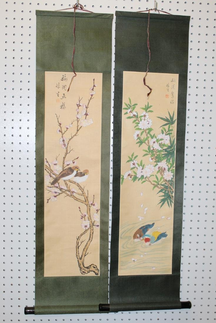 Two Chinese scroll painting on silk .