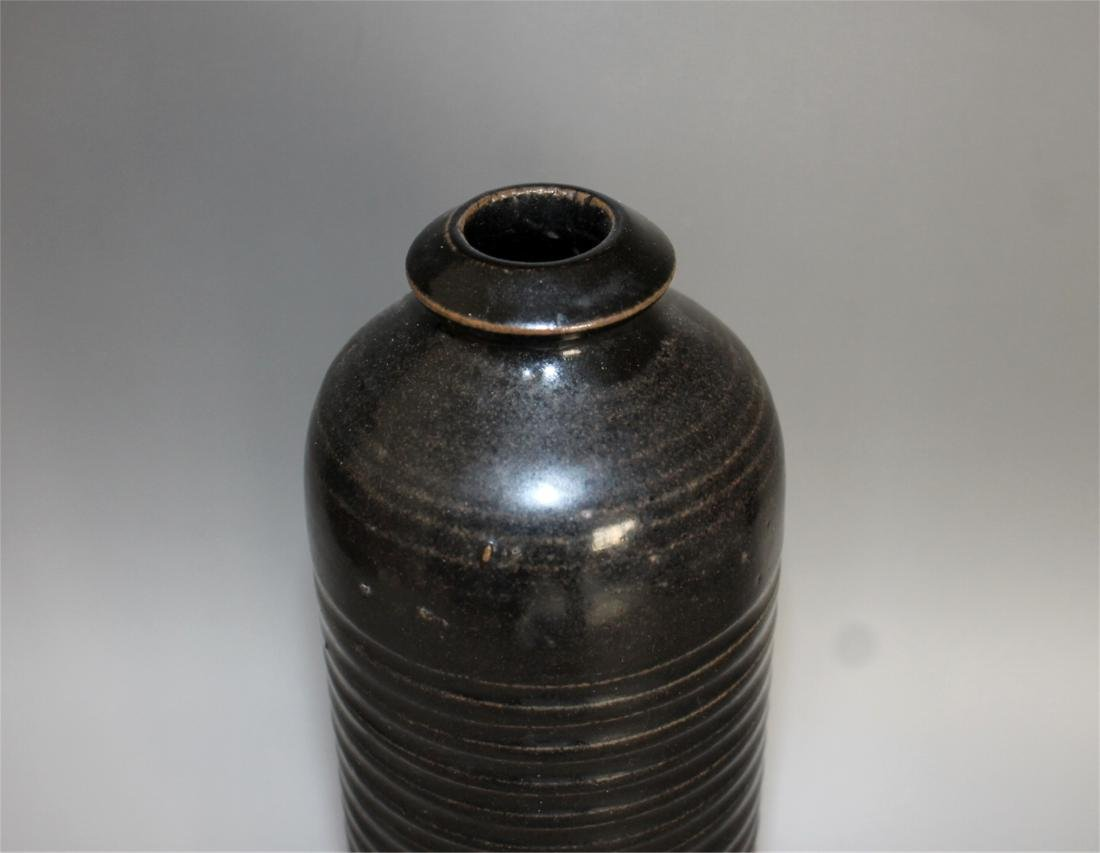 Chinese black glaze pottery vase. - 2