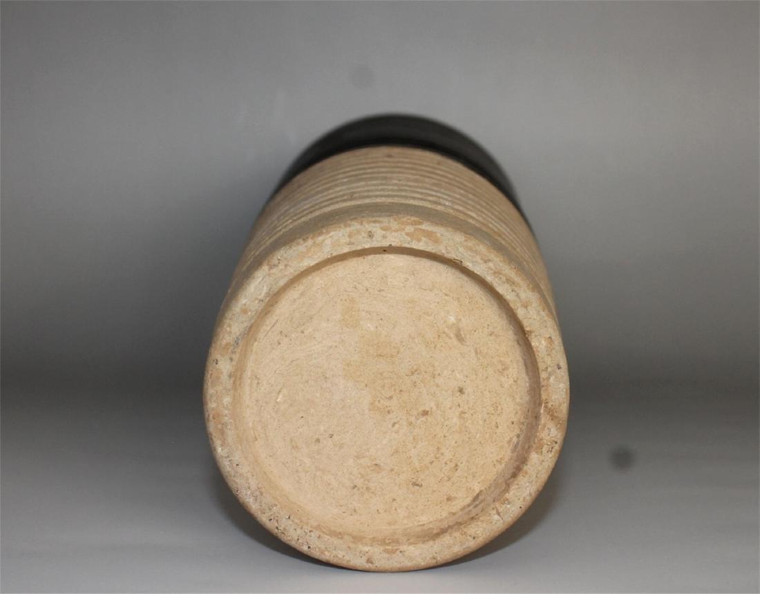Chinese black glaze pottery vase. - 5