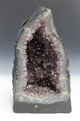 Geodes Rock.